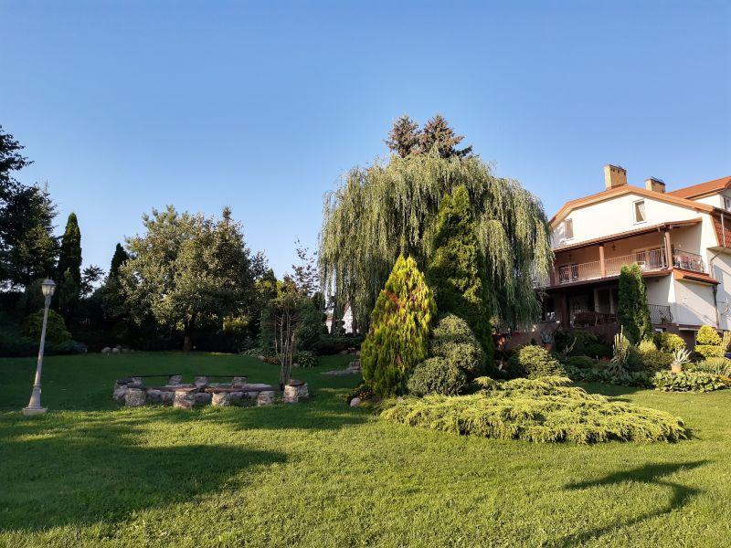 Dom - widok od strony parku