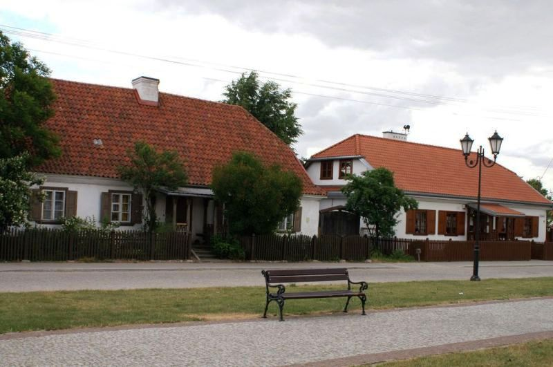 Chaty na placu Stefana Czarnieckiego